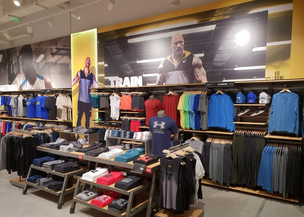 Brandul american de articole sportive Under Armou a deschis primul magazin din afara capitalei în Iulius Mall Cluj