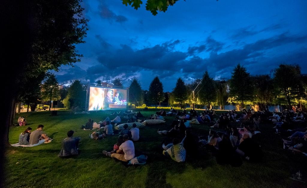 Maraton de cinema în aer liber, în Iulius Parc din Cluj-Napoca