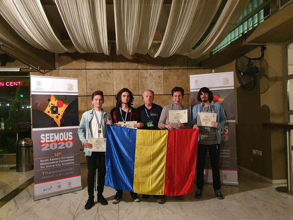 Podium pentru reprezentanții Universităţii Babeș-Bolyai din Cluj-Napoca la Balcaniada de matematică pentru studenți