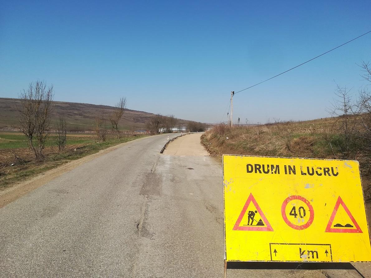 Au fost reluate lucrarile de modernizare pe drumul judetean 161C Iclod – Alunis - Corneni