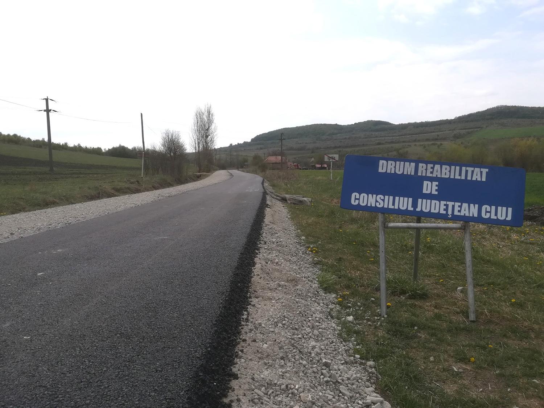 Pe drumul judeţean 109B Cornești – Igriția – Oșorhel – DJ 108B lucrările au intrat în faza de asfaltare
