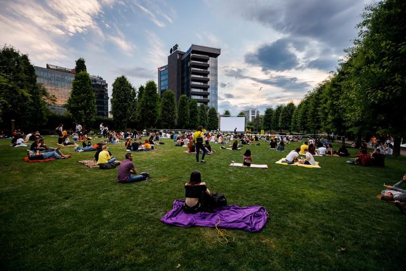 Evenimentul Movie Nights din Iulius Parc devine o tradiție printre cinefilii clujeni