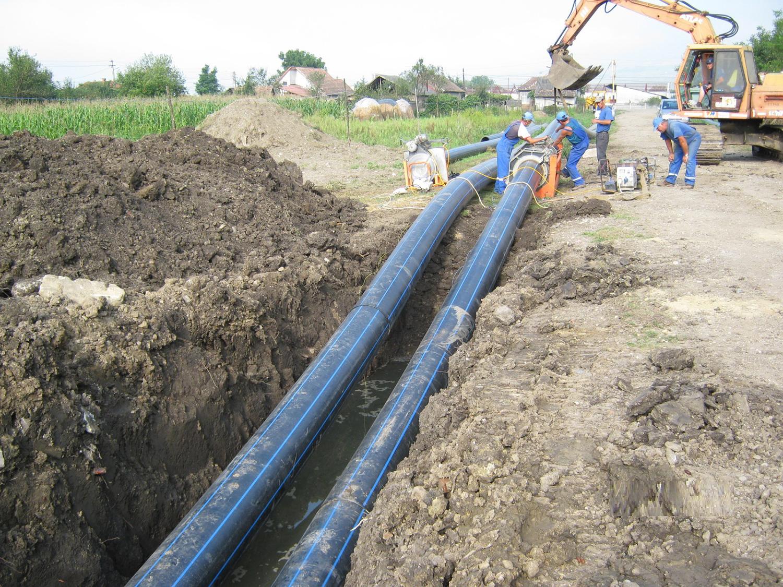 Încep lucrările la rețeaua de apă și canalizare în municipiul Gherla și în alte zece localități învecinate