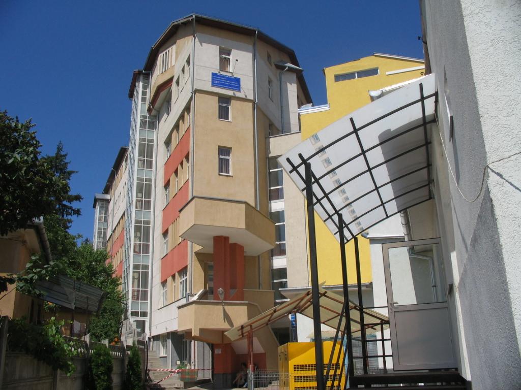 Se îmbunătățesc considerabil condițiile de cazare oferite pacienților în două clădiri ale Spitalului de Copii din Cluj