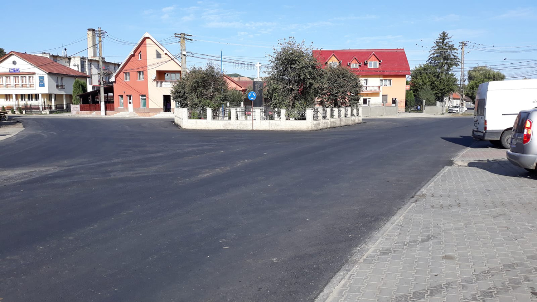 A fost asfaltată intersecția din centrul comunei Panticeu, situată la joncțiunea drumurilor județene 161 și 109A