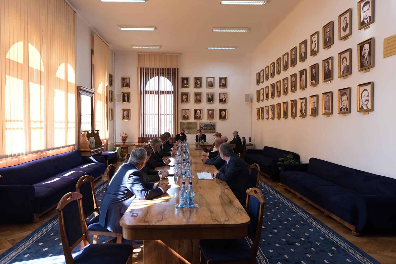 Începerea anului universitar și rolul educației în modernizarea țării, discutate de conducerea Universității Babeș-Bolyai cu reprezentanții Guvernului și ai autorităților locale