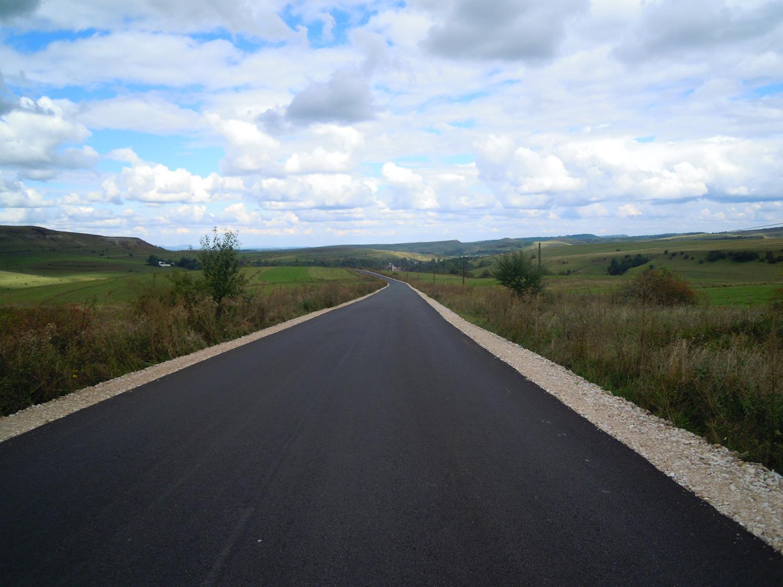 32 de drumuri județene au beneficiat de lucrări de modernizare sau întreținere în primele nouă luni ale anului 2020