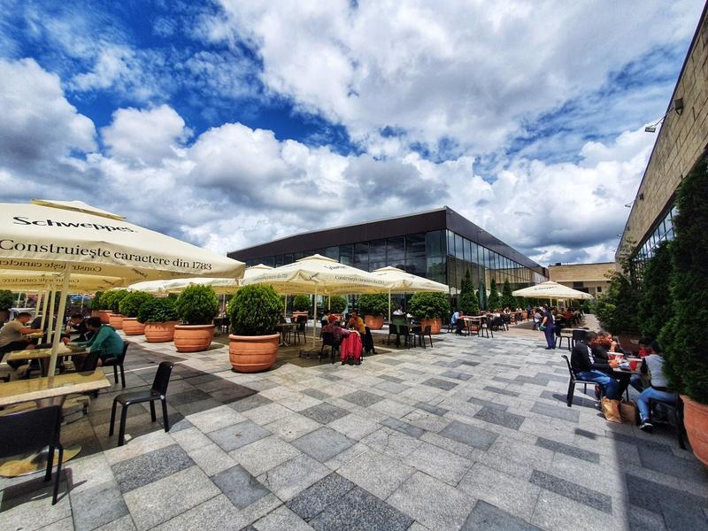 Experiențele din foodcourt se mută pe terasa în aer liber la Iulius Mall Cluj