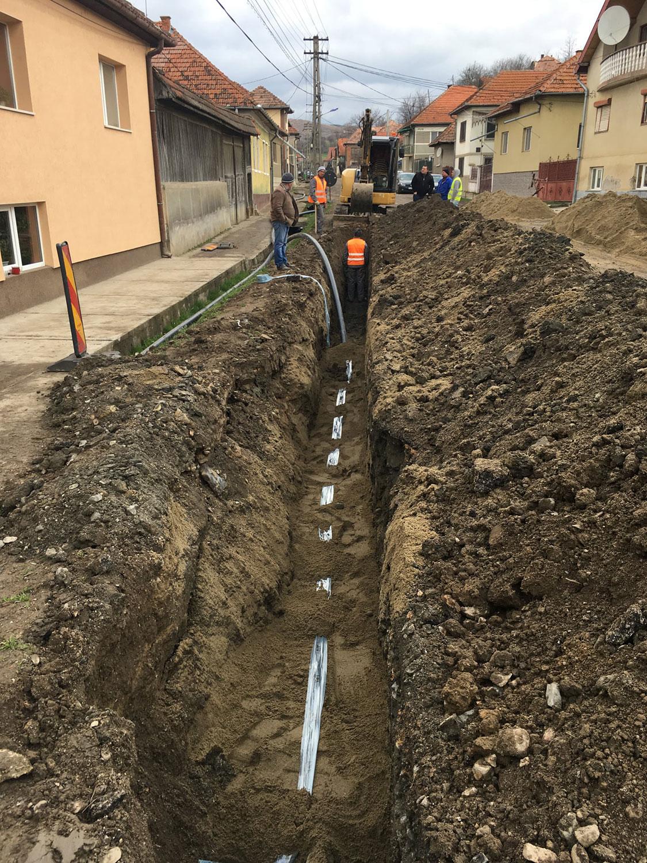 Se extinde rețeaua de canalizare din localitatea Câțcău