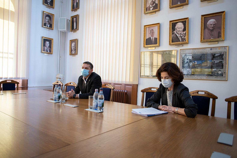 Rectorul Universității Babeș-Bolyai UBB și ambasadorul Franței în România au analizat colaborările academice strategice