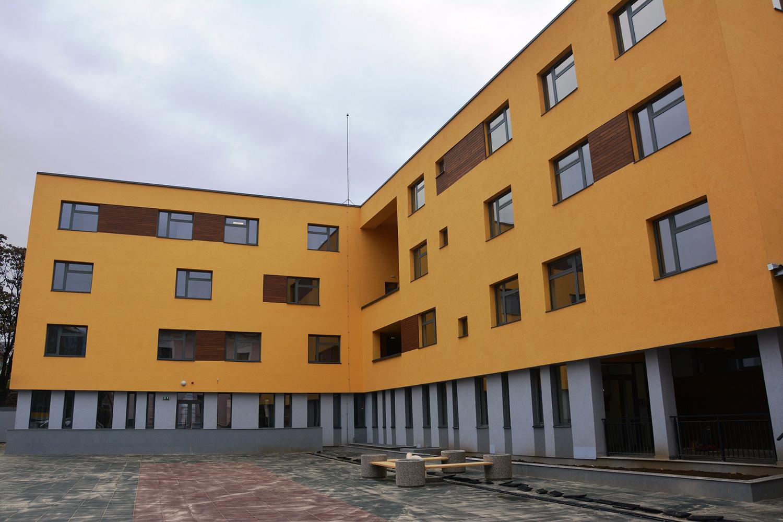 A fost dat în folosință noul internat al Liceului Tehnologic Special pentru Deficienți de Auz Cluj-Napoca