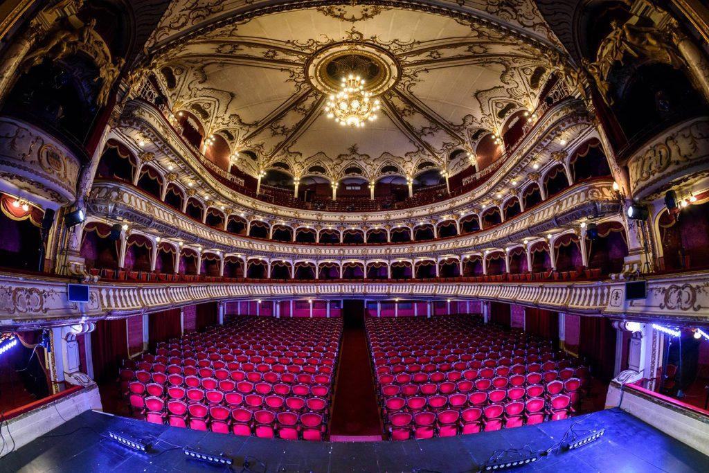 Se reiau spectacolele cu public în Sala mare a Teatrului Național Lucian Blaga din Cluj-Napoca